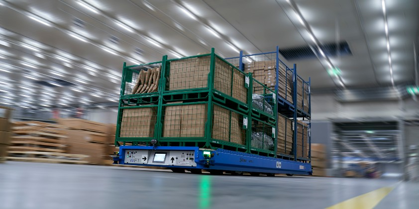 BMW Group Plant Dingolfing tests fully connected logistics