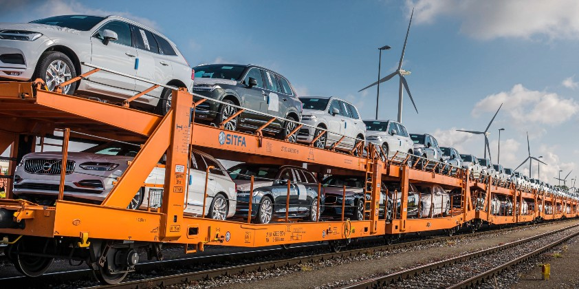Volvo Cars switches to trains to cut emissions in its logistics network